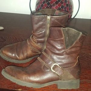 BORN brown buckle leather boots sz  6